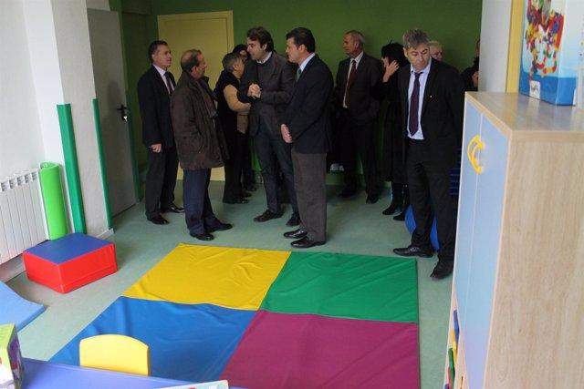 Diputados de la DPZ han visitado este martes la escuela de Sástago