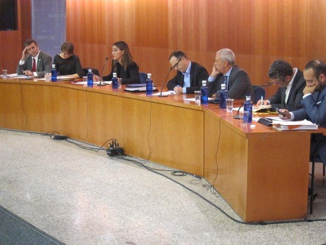 Primer debate de precampaña catalana con todos los partidos