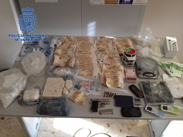 Efectos Incautados Durante Una Operación Contra El Tráfico De Drogas