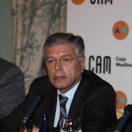 El presidente de la Caja de Ahorros del Mediterráneo (CAM), Modesto Crespo