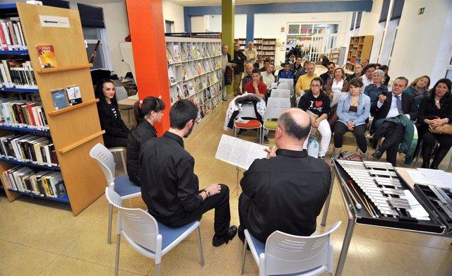 Una de las actividades culturales que acoge la biblioteca municipal de Santander