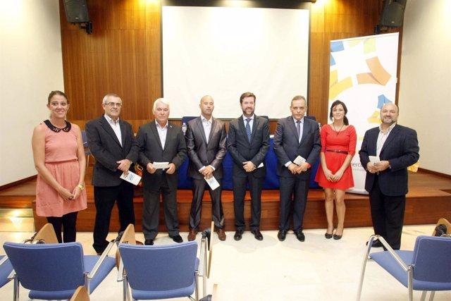 Alonso y Medina (en el centro) en la presentación de las actividades