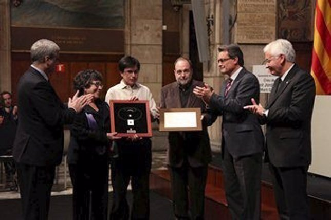 Mas entrega la Creu de Sant Jordi a los padres y hermanos de M.Gasull