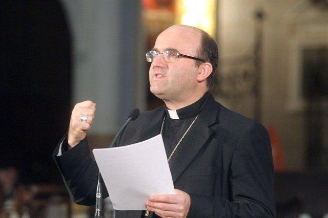 El Obispo De San Sebastián, Monseñor Munilla, en un momento del congreso.