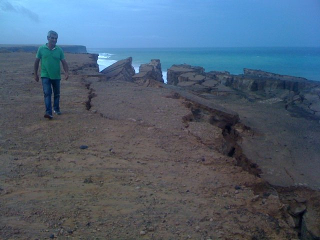 Playa del Águila tras las lluvias del 28 de octubre