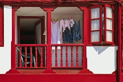 Secar la ropa dentro de casa puede suponer un riesgo para la salud