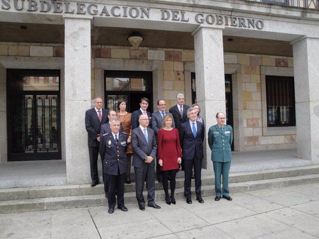 Ruiz Medrano con los participantes en la reunión de Asistencia al Delegado