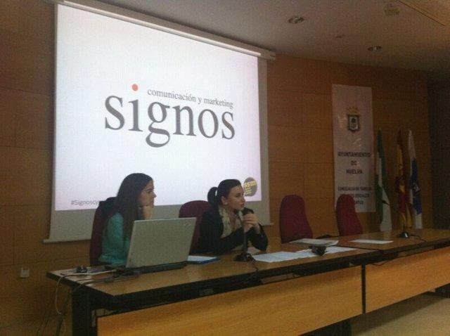 Cristina Mauleón y Begoña Mayoral, de Signos Comunicación y Marketing.