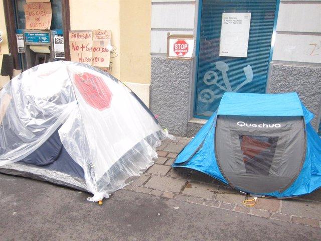 Campamento montado en apoyo de Carmen Omaña
