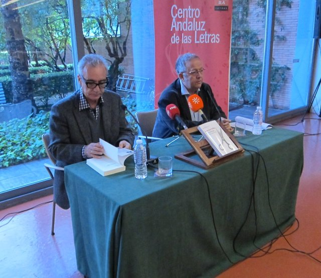 Juan José Millás presenta en Sevilla 'Vidas al límite'