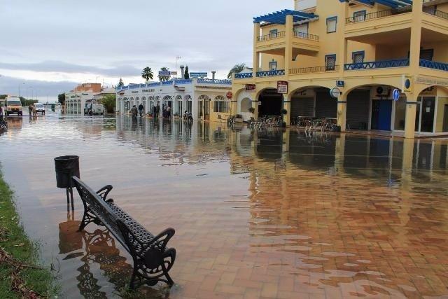 Efecto de las lluvias en Isla Canela, Ayamonte.