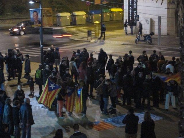 Independentistas concentrados ante un mitin del pte.M.Rajoy en Lleida