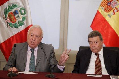Cumbre Ib.- Margallo confirma que ni Castro ni Chávez viajarán a Cádiz