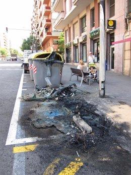 Contenedores Quemados Por El Vandalismo Urbano