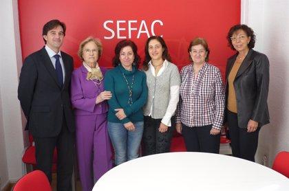 Un proyecto para detectar la desnutrición en ancianos en la farmacia comunitaria, ganador de la 'IV Beca STADA-SEFAC'