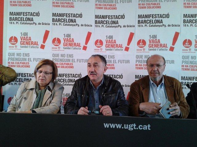 Antònia Gil (Usoc), Josep Maria Álvarez (UGT) y Joan Carles Gallego (CC.OO.)