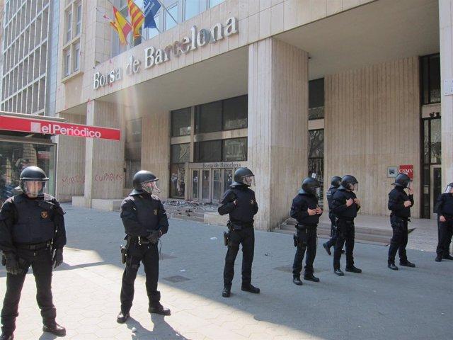 Mossos en la huelga del 29 de marzo (Archivo)