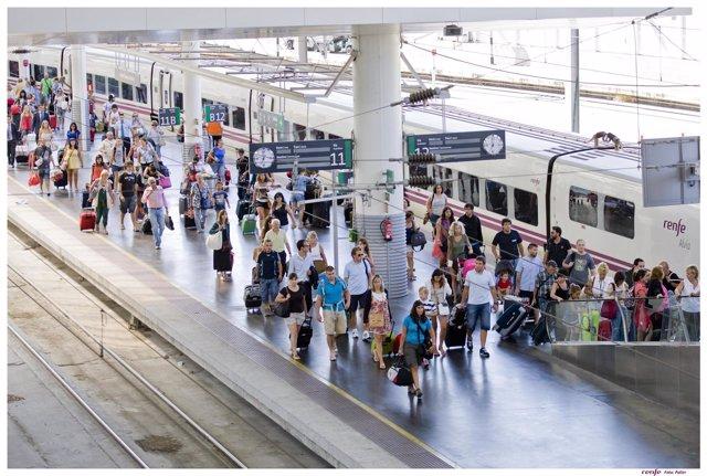 Trenes, estaciones, ferroviarios de Renfe