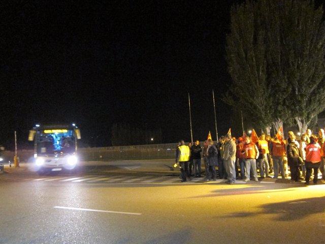 El seguimiento de la huelga general en la planta de Opel en Figueruelas del 100%