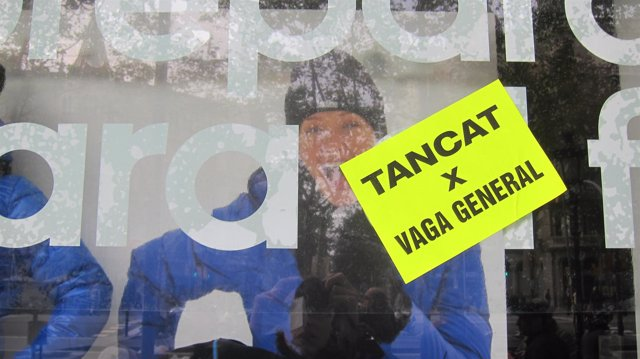 Comercio cerrado por huelga general en Barcelona el 14N del 2012