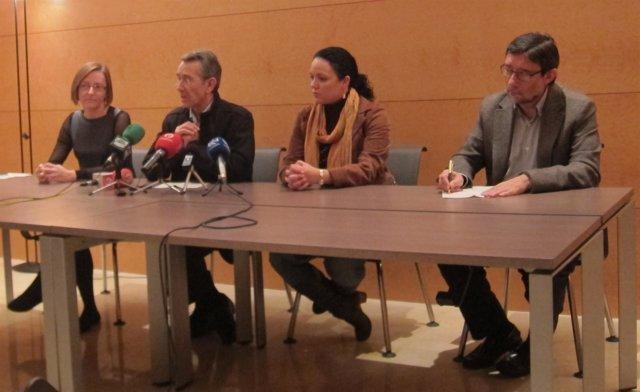 Torres Y Diputados Socialistas En Rueda De Prensa