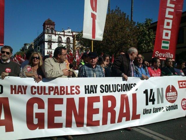 Cabecera de la manifestación por la huelga general del 14 de noviembre