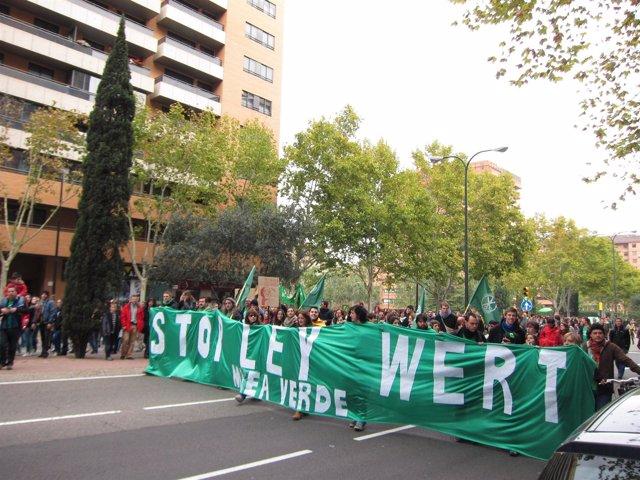 Protesta en Zaragoza contra recortes en Educación con motivo de huelga general