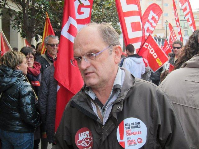 El secreetario general de UGT Aragón, Julián Lóriz