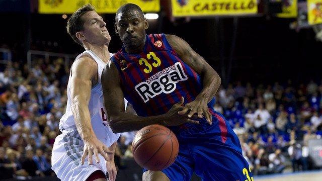Pete Mickeal con el Barcelona Regal en Euroliga