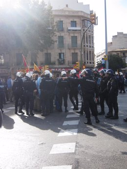 La Policía Nacional en la Plaza España de Palma