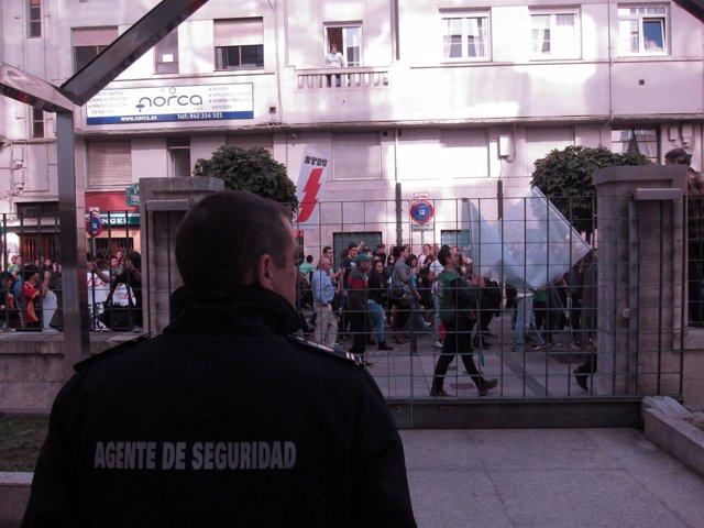 Manifestación del sector educativo ante la sede del Gobierno
