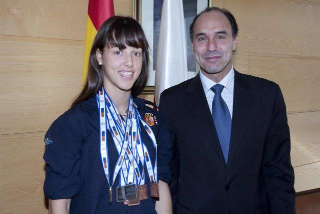 Diego y la socorrista Isabel Costa