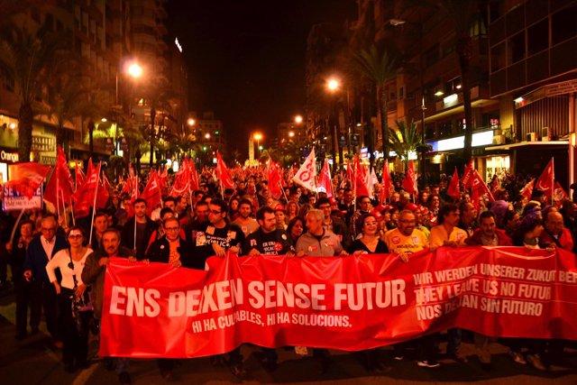 Cabecera de la manifestación de la huelga general del 14N