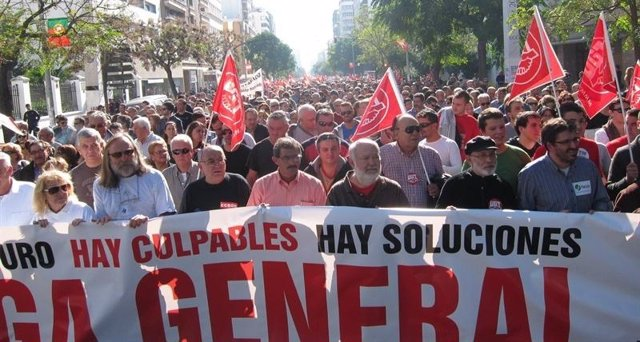 Manifestación en Cádiz por la huelga general del 14N