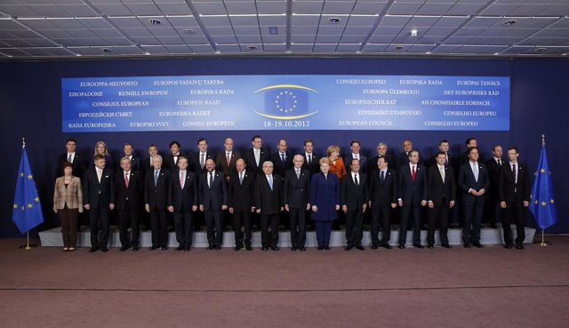 Los líderes de la UE posan en la foto de familia de la Cumbre informal