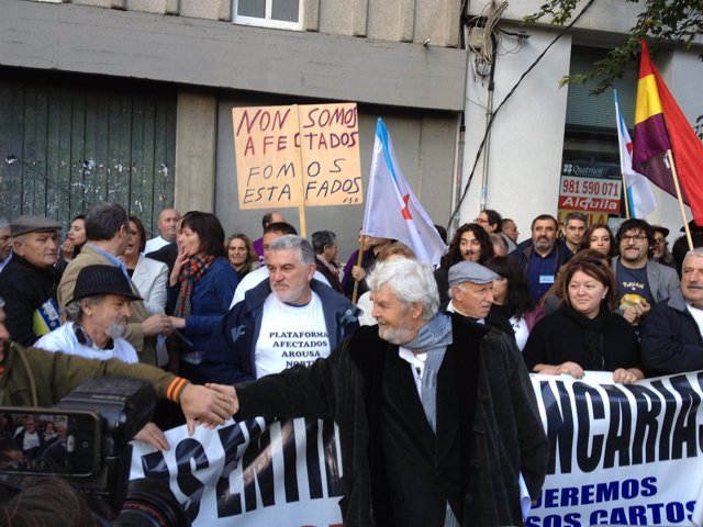Protesta delante del Parlamento de Galicia