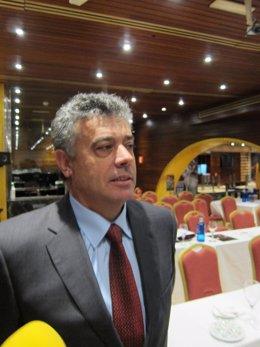 El Jefe Superior de Policía de la Región, Cirilo Durán