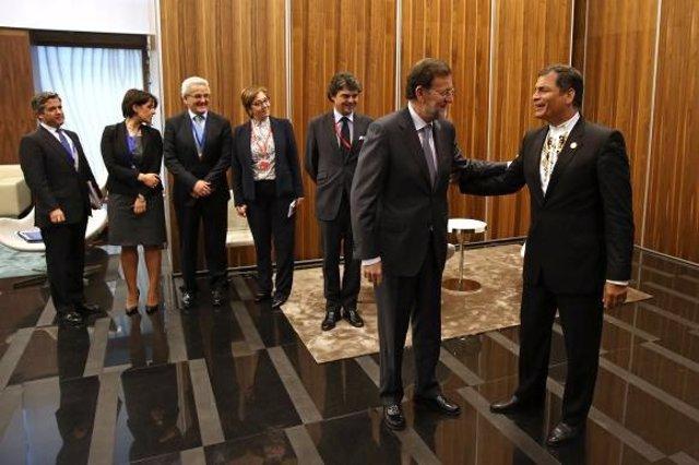Rajoy con el presidente de ecuador, Rafael Correa