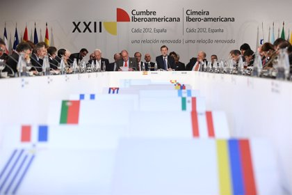 Cumbre Ib.- Los líderes iberoamericanos abren el proceso de reflexión sobre convertir en bienales sus cumbres