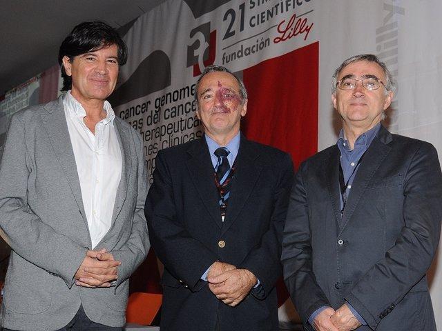 Campo, Gutiérrez y López-Otín durante el simposio