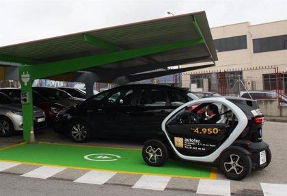 Lilly instala un poste de carga para coches eléctricos en sus instalaciones de Madrid