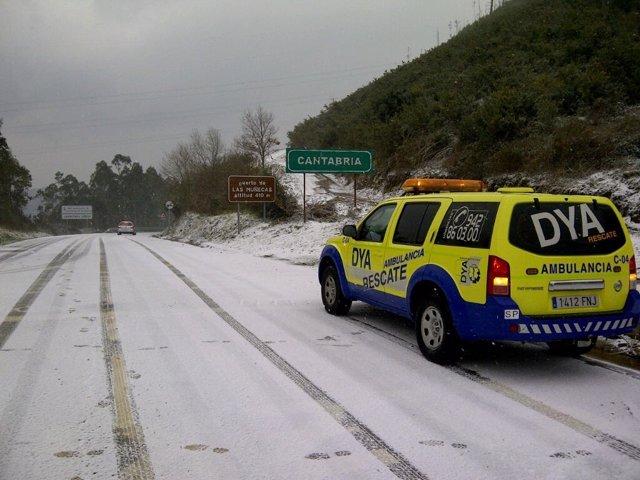 Nieve En Los Puertos De Montaña De Cantabria