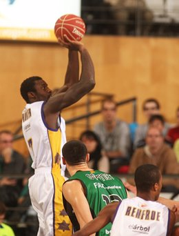Othello Hunter Fiatc Joventut  Blancos de Rueda Valladolid