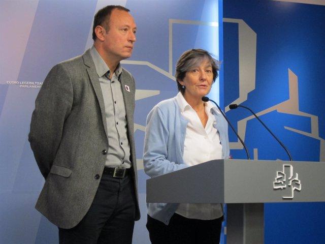 Laura Mintegi con Juanjo Agirrezabala