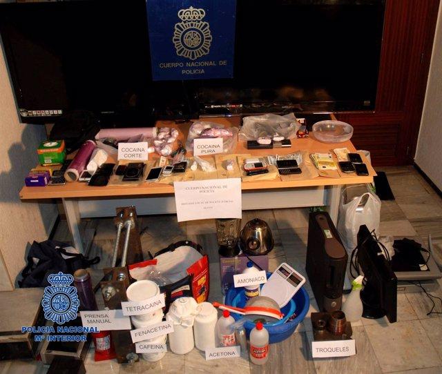 Efectos intervenidos tras desmantelar un laboratorio de cocaína en Castalla