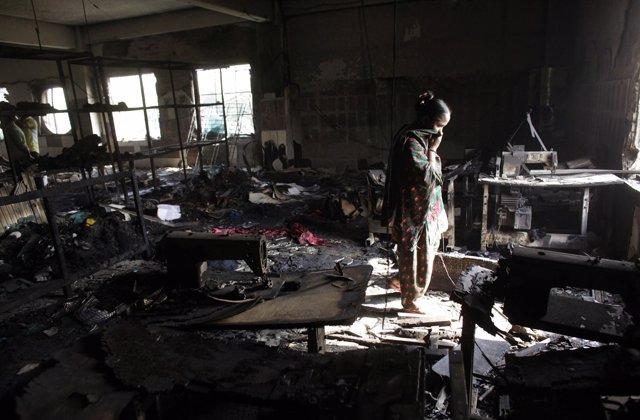 El incendio de la planta textil de Daca, Bangladesh