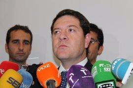"""García-Page acusa a Cospedal de """"asfixiar"""" a los ayuntamientos y dice que """"se agota el tiempo"""""""