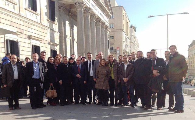 Alcaldes piden en el Congreso reducción jornadas para acceder al PER