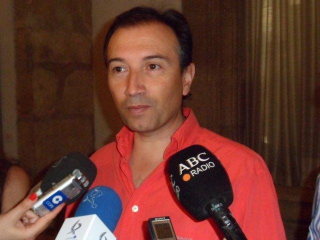 Laureano León