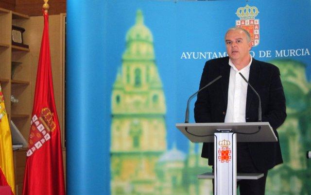 El concejal de Limpieza Urbana y Gestión de Residuos, José Ros